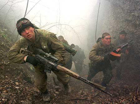 Ruský odstøelovaè s puškou SVD